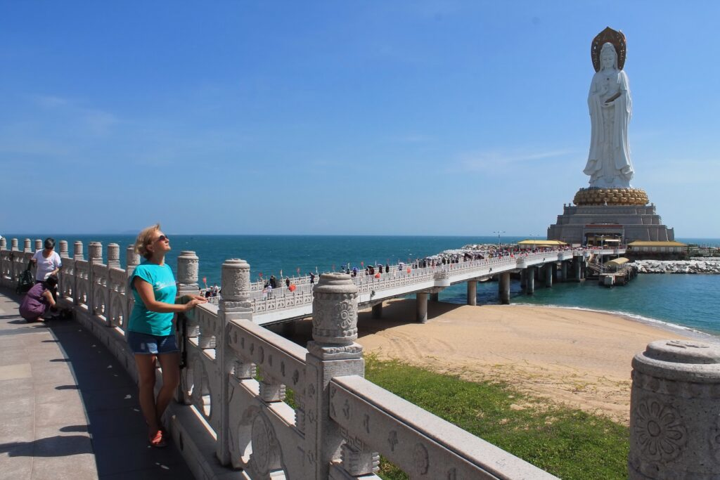 Остров Хайнань статуя Богини Гуаньинь