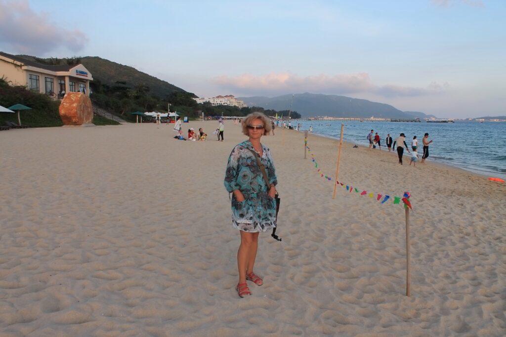 Ялонг бей пляж