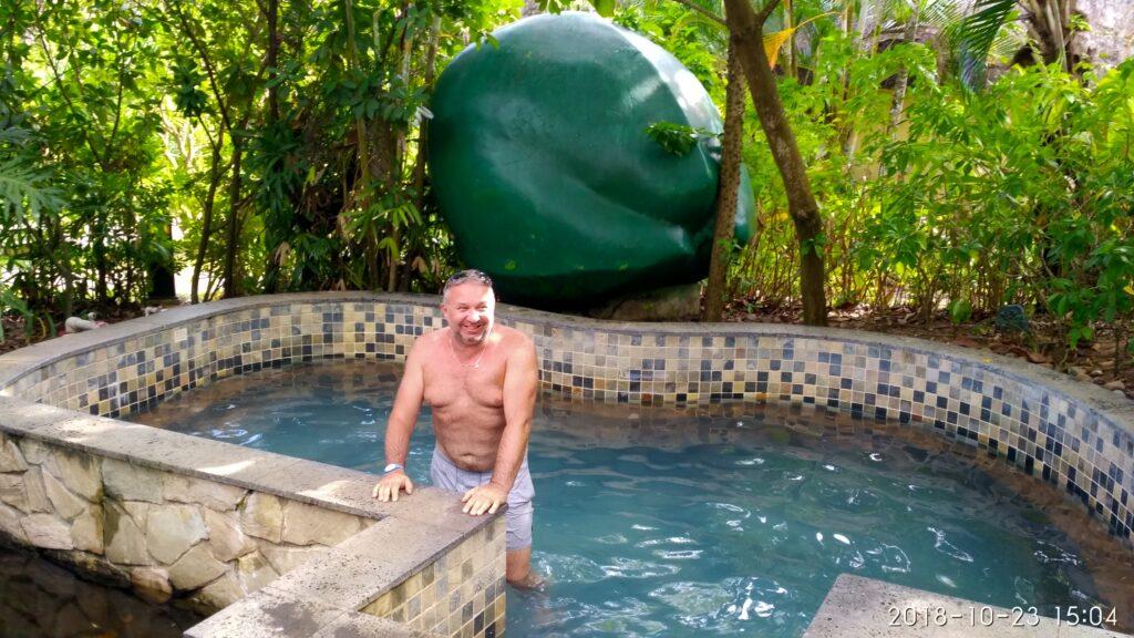 Источники Саньи ванна с кокосовым молоком